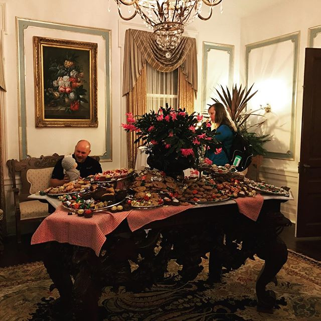 There may have been a few desserts out last night...  #300clifton #bedandbreakfast #minneapolis #loringpark